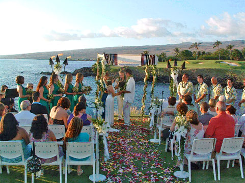 Members of Kona 39s Traveling Jewish Wedding Band perform for arriving guests